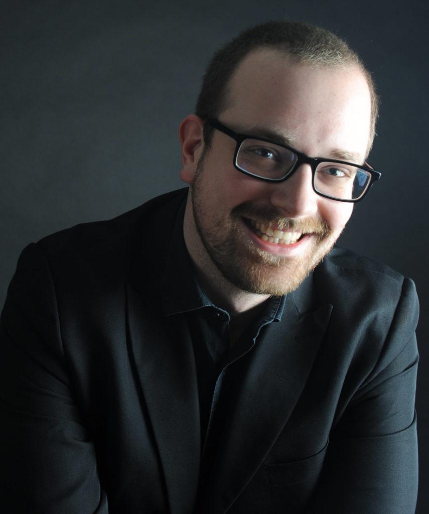 Tom Kessler – Bassbariton und Chorleitung
